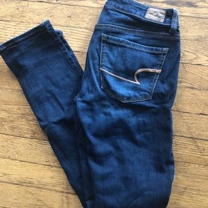 Size 4 American Eagle Skinny Jeans!